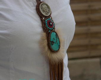 "Embroidered collar amerindien ""Awanatu"""