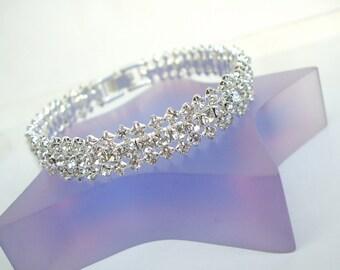 Fine Crystal bangle bracelet, crystal wedding cuff bracelet, Rhinestone bridal bracelet, wedding bangle, dainty diamante bridal cuff