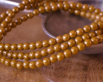 100 Golden Mustard Czech Druk Luster Beads 4mm (258-100)