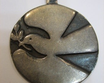 Fabulous Vintage Sterling Silver Peace Dove Necklace Thailand