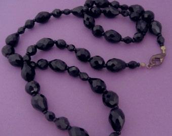 Vintage French jet black necklace,  jet Necklace BLACK,  faceted black beaded necklace,  Jet black vintage necklace