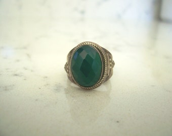 Vintage Natural Green Chrysoprase Ring in Sterling Silver