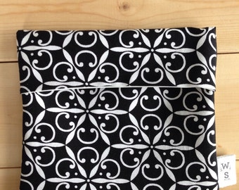Black and white reusable sandwich bag