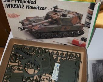 Self-Propelled M109A2 Howitzer Tank Model 1985 by Testor