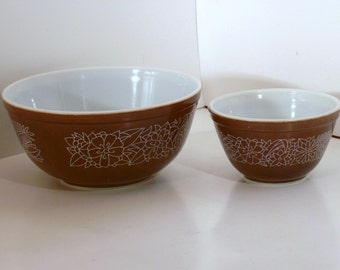 Pyrex two bowl set, brown and white with woodland pattern