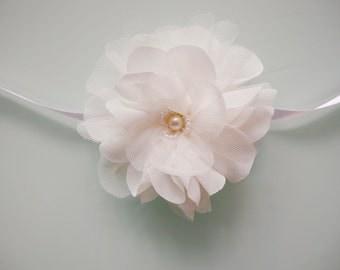 Ivory flower wrist corsage, Wedding Wrist Corsage, Chiffon Flower corsage, Bride Bridesmaid Corsage, Off  White  flower Corsage,Flower girl