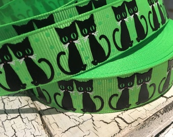 "7/8"" Black Halloween Cat Kitten on green grosgrain"
