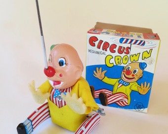 Vintage Japanese Wind Up Circus Crown (Clown) Tin Toy