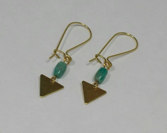 Peruvian Opal Brass Earrings / Triangle Earrings / Gemstone Earrings / Boho Chic / Minimalist / Geometric