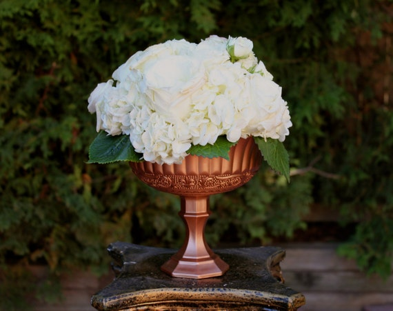 Beautiful rose gold pink bronze wedding centerpiece