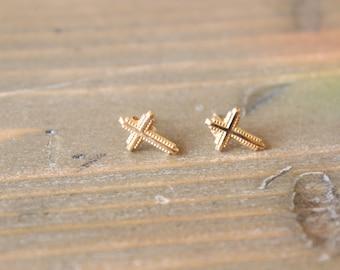 Vintage 14k Yellow Gold Cross Stud Earrings