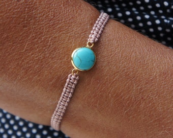 Turquoise pendant, beige macrame bracelet