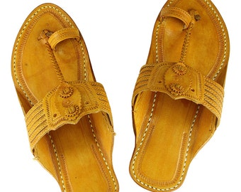 Light yellow awesome looking kolhapuri leather sandal for men