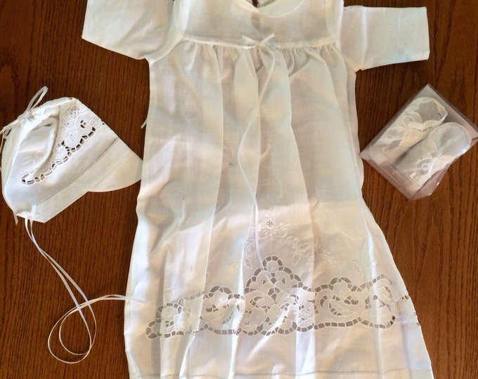 Baby christening outfit / brand-new never worn 0-3 months