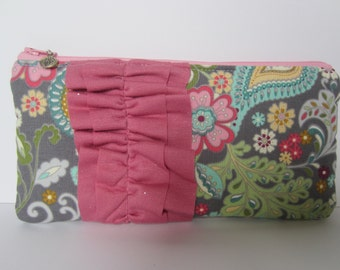 Ruffled Flat Pencil Pouch in Pink Paisley