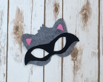 RACCOON MASK Machine Embroidery Design, cute animal mask in the hoop, #574