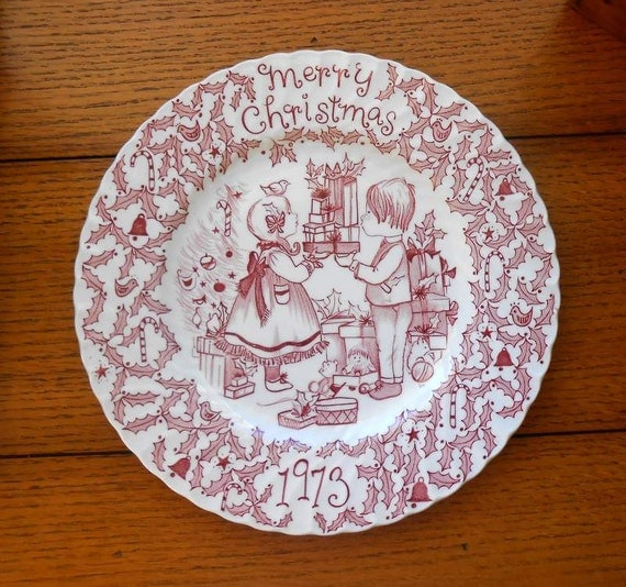Collector's  Plate Merry Christmas 1973 Norma Sherman England Crawford China Co.