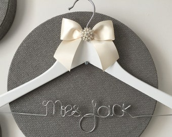 BACK IN STOCK! Personalised Bridal Hanger - Wedding Hanger - Prom Dress Hanger - with deluxe satin bows - 1 Row Large Buckle