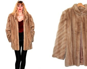 Faux fur coat / women winterwear vintage fur coat