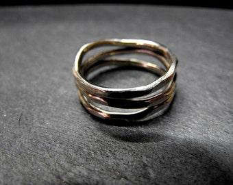 4W9 - Bague 3 anneaux ondulés en argent 925, finition martelée
