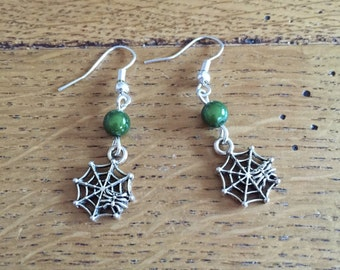 HALLOWEEN earrings / Spider web earrings with green miracle bead - Green beaded halloween earrings