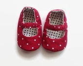 Baby Shoes - Mary Jane Reversible - Red with White Dots/White with Black Dots - Customizable, Baby Shoes Handmade, Baby Shoes for Girl