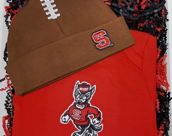 NC State Wolfpack Baby Bodysuit & Football Cap Gift Set