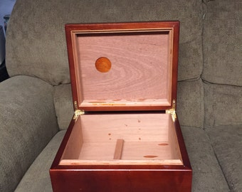Vintage Wooden Cigar Humidor Box with Accessories, XIKAR Xi1 Cigar Cutter, Man Cave Decor