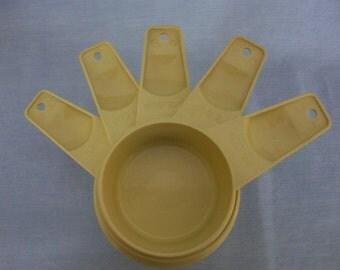 Vintage Tupperware Measuring Cups Set of 5