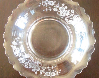 Fluted Edge Etched Glass Serving Bowl