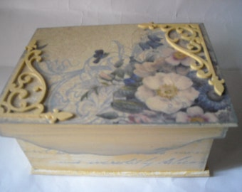 Box casket coffer for jewelry decorated with pictorial shabby, stencil, decoupage ooak