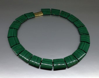 Malachite statement necklace / collier with gold elements - gift idea - natural gemstone - big green stone necklace - Cleopatra necklace