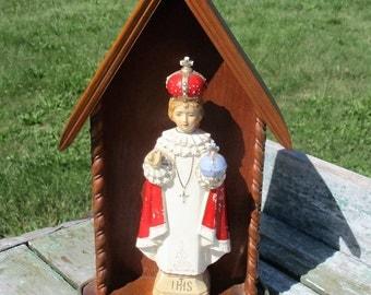"""Statuette Porcelain Infant of Prague Santo Nino Jesus Wooden Chapel 8.46"""""""