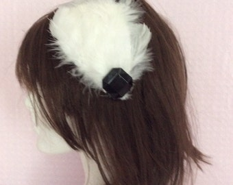 White and black feather vintage inspired comb