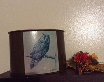 Bob Haynes Owl Tin/Vintage Bob Haynes/Vintage Owl Tins/1973 Owl Tins/Owl Tins/Bob Haynes Owl Tins/Decorative Home Decor Trays and Tins/