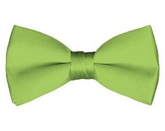 Solid Pre-Tied Pear Green Bow Tie