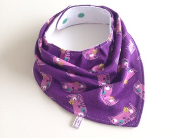 Purple baby bandana bib with cats. Knit fabric. Scarf bib, baby shower gift, unisex baby bib, drool bib, bibdana. Ready to ship