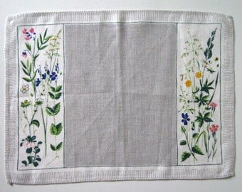 VINTAGE SWEDISH PLACEMAT / Retro / Place mat / Table setting / Dinner / 60s / Linen / Printed linen / Midsummer / Cloth / Tablet / Floral