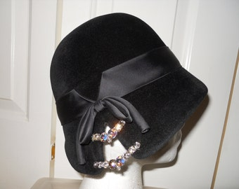 vintage Chesterfield Original flapper style hat