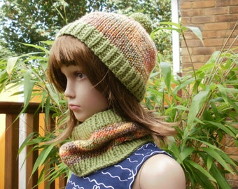 Girl's hat and cowl, girl's knitted bobble hat, girl's knitted cowl, hat and cowl set, neckwarmer, neck warmer, green hat set, winter knits.