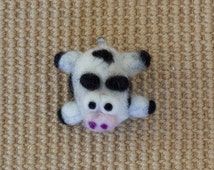 Cute Cow Magnet - Cow Decor - Cow Gifts - Farm Animal Magnet - Cute Kitchen Decor - Refrigerator Magnet - office decor - felted wool cow