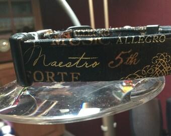Classical music collar