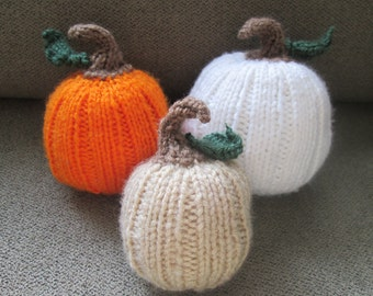 Set of 3 Knitted Pumpkins!