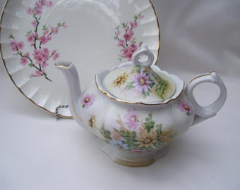 Lefton Musical Teapot Daisies Tea for Two,Floral,Music Box Teapot