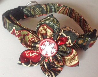 Red & Green Paisley Christmas Flower Collar for Female Dogs and Cats