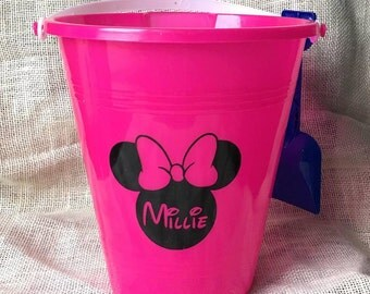 Minnie Mouse Sand Bucket and Shovel/ Personalized/ Minnie/ Kids/ Beach/ Vacation/Sand