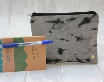 Zipper pouch, Pencil Case, Cosmetic Bag, Woman Make Up Bag. Hand made. Upstream