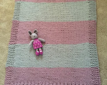 Hand Knitted Luxurious Throw blanket