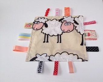 Crinkle-sweet dreaming sheep