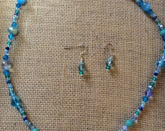 Blue bead necklace and pierced earrings